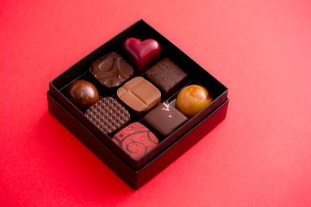 Bon Bon Chocolat Assortiment 9P(ボンボンショコラ 9個入り) ¥2,200
