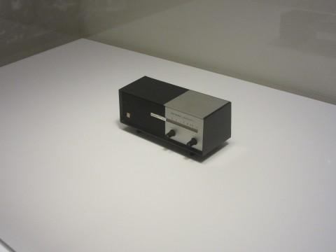 パナソニックの創業者、松下幸之助が寛次郎に贈ったトランジスタラジオ