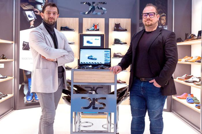 DIS Design Italian Shoes?