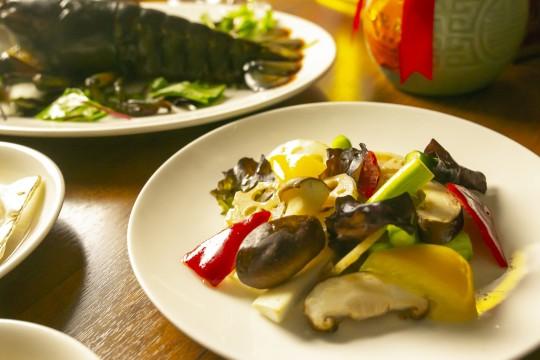 季節野菜の彩炒め