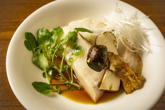 銀鱈と松茸の蒸し物